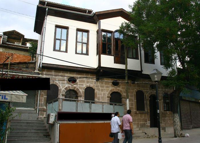Ankara Anafartalar Caddesi Üzeinde Tarihi Yapı Restorasyonu;