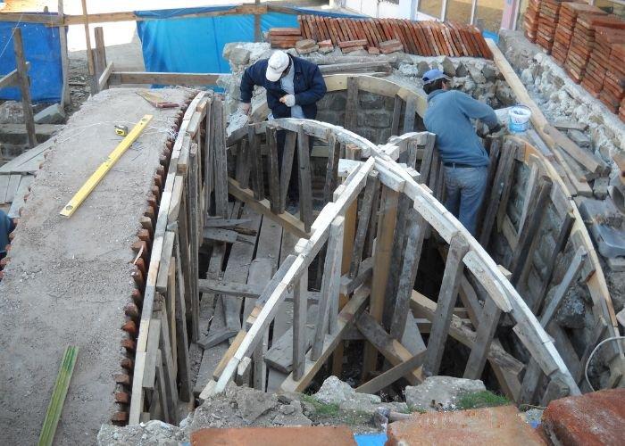 Restoerasyon öncesi Gökçeağaç Hanı Tonmoz Çatı Yapımı