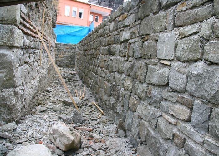 Gökçeağaç Hanı Moloz Taş Duvar İmalatı