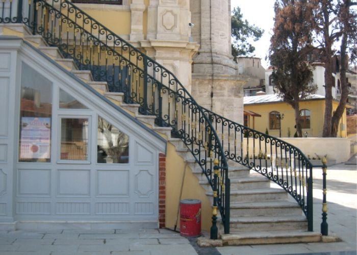 Büyükada Hamidiye Camii Çıkış Merdiveni