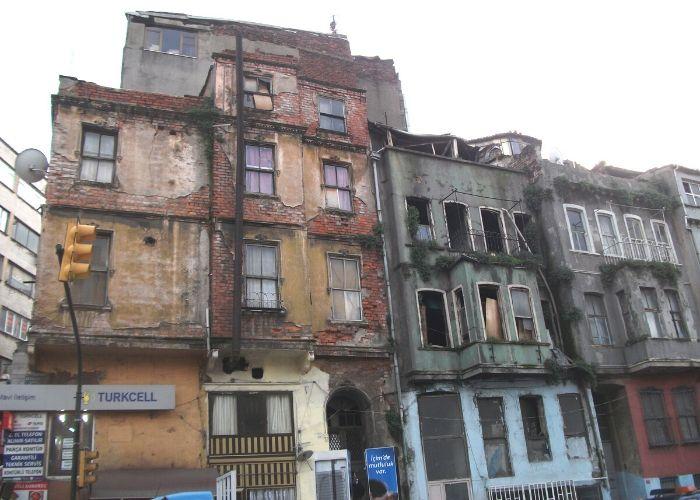 Tarlabaşı Önder Akyürek evi Restorasyon Öncesi